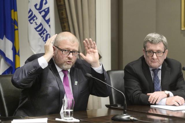 Le maire Sylvain Juneau devra attendre avant que... (Le Soleil, Jean-Marie Villeneuve)