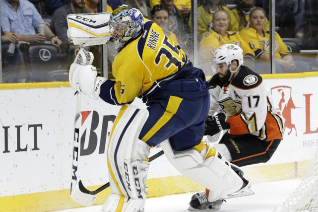 Pekka Rinne a effectué 38 arrêts, dont plusieurs spectaculaires, et les... (PHOTO AP)