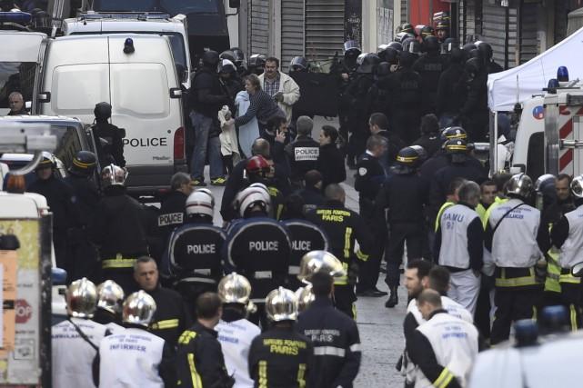 Un long confinement à domicile a été imposé... (AFP, Lionel Bonaventure)