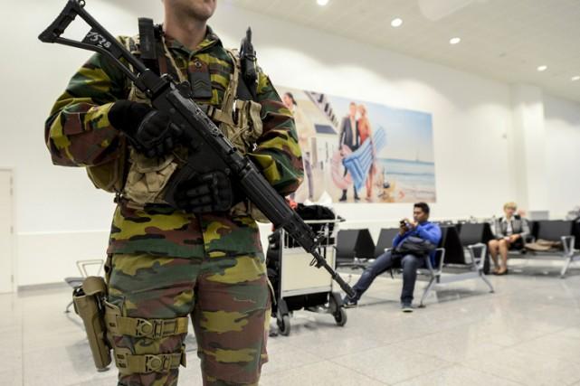 Dans un schéma publié dans le rapport, des... (PHOTO AFP)