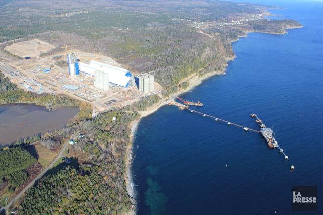 La cimenterie de Port-Daniel, en Gaspésie... (Collaboration spéciale Gilles Gagné)