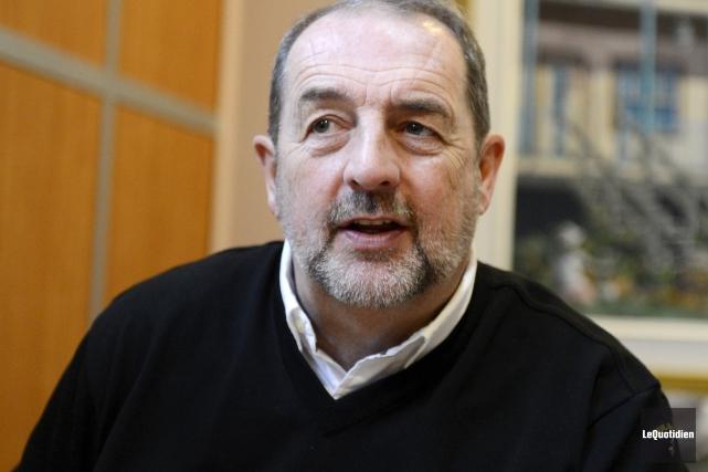 L'ancien ministre fédéral, Denis Lebel, veut refiler ses... (Photo Le Quotidien, Jeannot Lévesque)
