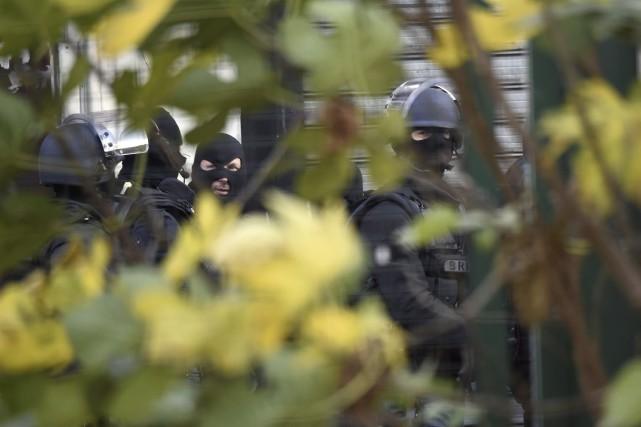 Les membres de RAID, une unitéspéciale d'intervention de... (Eric Feferberg, AFP)