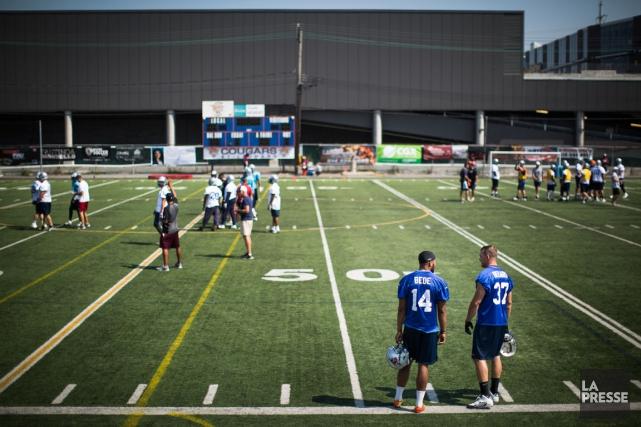 Les Alouettes s'entraînent au stade Hébert de Saint-Léonard... (Photo Olivier PontBriand, La Presse)
