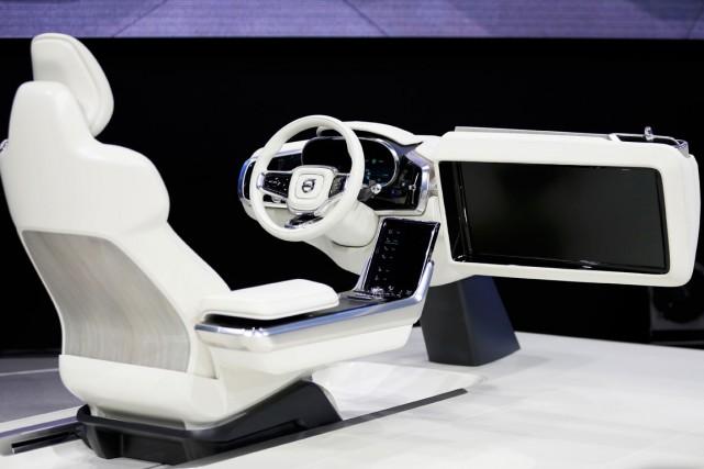 Volvo a présenté un concept d'habitacle nous plongeant... (Photo Mike Blake, Reuters)