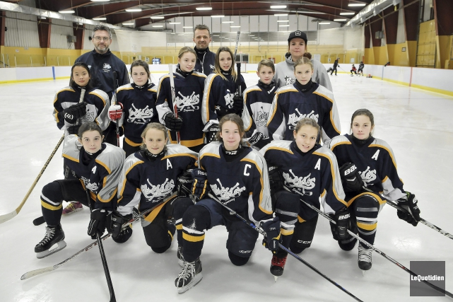 La seule formation de hockey féminin de la... ((Photo Le Quotidien-Rocket Lavoie))