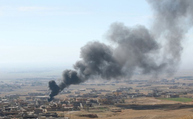 Un bombardement de la coalition menée par les... (PHOTO ARI JALAL, REUTERS)