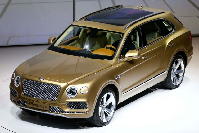 Le Bentayga de Bentley a été dévoilé au salon... (Photo Kai Pfaffenbach, Reuters)