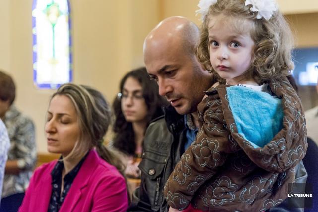 Des réfugiés syriens sont arrivés à Sherbrooke cet... (Imacom, Frédéric Côté)