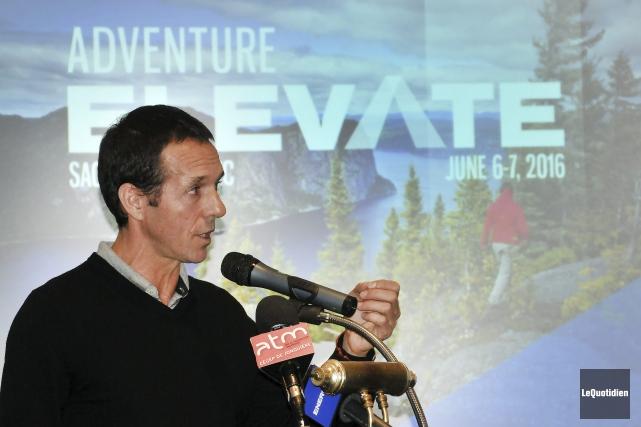 Hugues Ouellet a mentionné, jeudi, devant plusieurs intervenants... (Photo Le Quotidien, Rocket Lavoie)