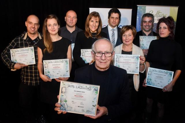 Les gagnants du gala Arts excellence ont posé... (François Gervais)