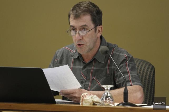 Le président de la commission scolaire du Val-des-Cerfs,... (Julie Catudal, Archives de La Voix de l'Est)