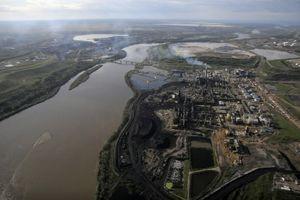 La rivière Athabasca, en Alberta.... (Photo d'archives, AP)