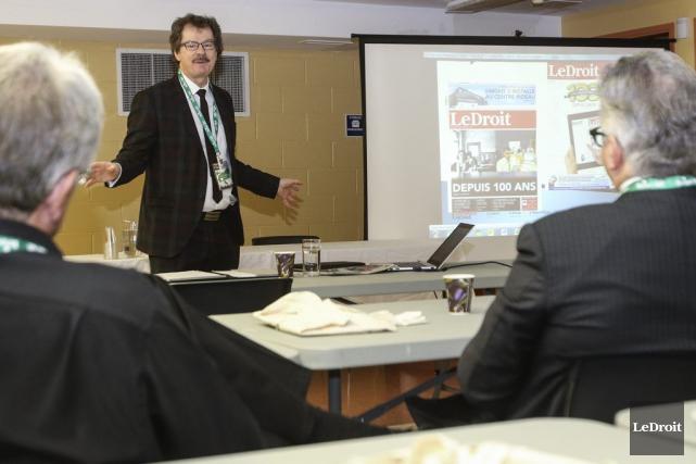 L'archiviste en chef de l'Université d'Ottawa, Michel Prévost,... (Patrick Woodbury, LeDroit)