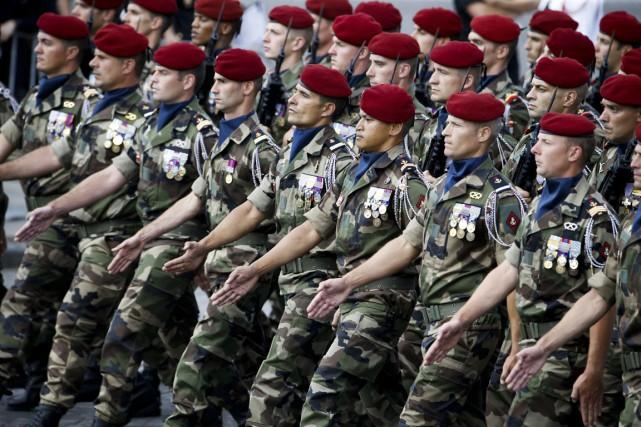 Depuis les attentats de Paris, l'armée française a... (PHOTO THOMAS SAMSON, AFP)