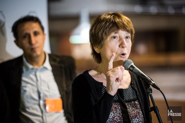 Françoise David et, en arrière-plan, Amir Khadir, députés... (Archives La Presse, Olivier Pontbriand)