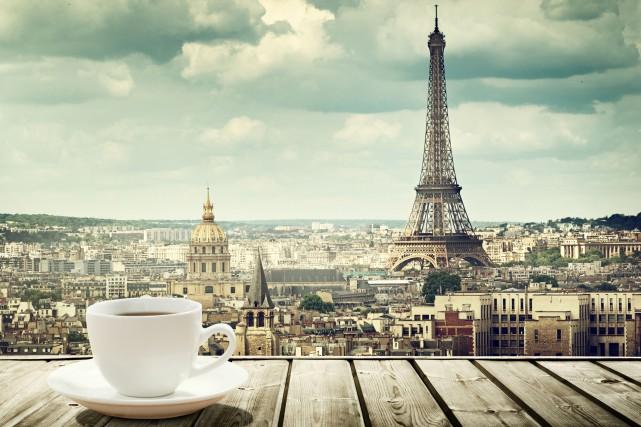 L'autre matin je prépare le café. Il fallait le couler réconfortant, la nuit... (Photo 123RF)