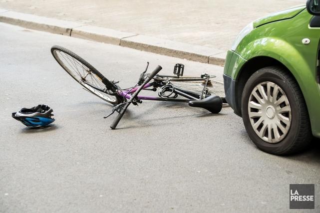 Une cycliste a été victime de délit de... (Photo 123RF, Andriy Popov)