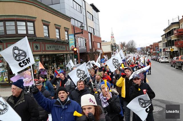 Les grèves tournantes du secteur public touchent diverses... (Photo Janick Marois, archives La Voix de l'Est)