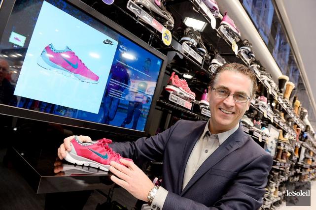 Martin Boucher, qui vient d'ouvrir un nouveau magasin... (Le Soleil, Erick Labbé)