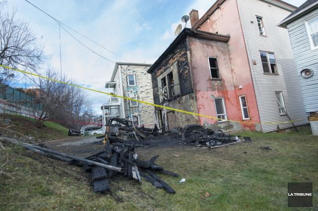 L'incendie se serait déclaré à l'arrière et à... (Imacom, Julien Chamberland)