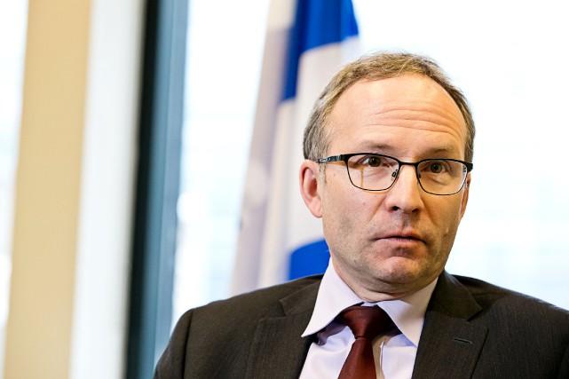 Jeudi, le ministre Martin Coiteux a mis sur... (PHOTO HUGO-SÉBASTIEN AUBERT, ARCHIVES LA PRESSE)