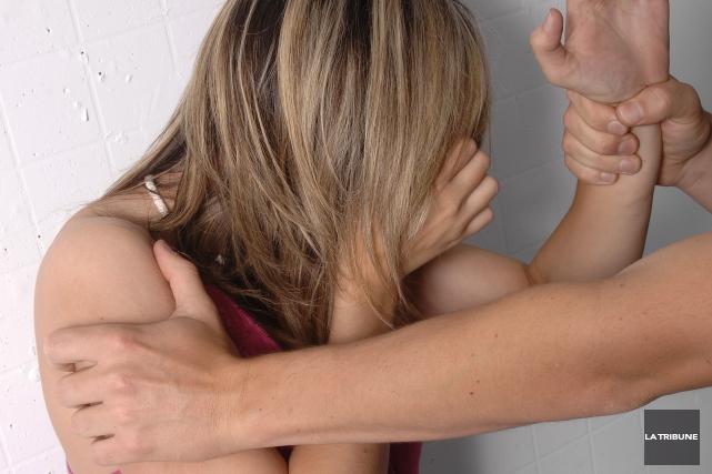 En 2014, les femmes ont connu au Canada un taux de victimisation avec violence... (Archives La Tribune)