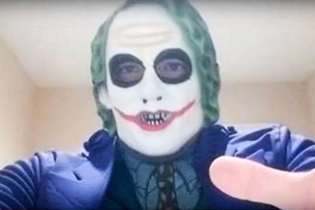 L'homme arrêté est soupçonné d'être l'auteur d'une vidéo... (Image tirée de YouTube)
