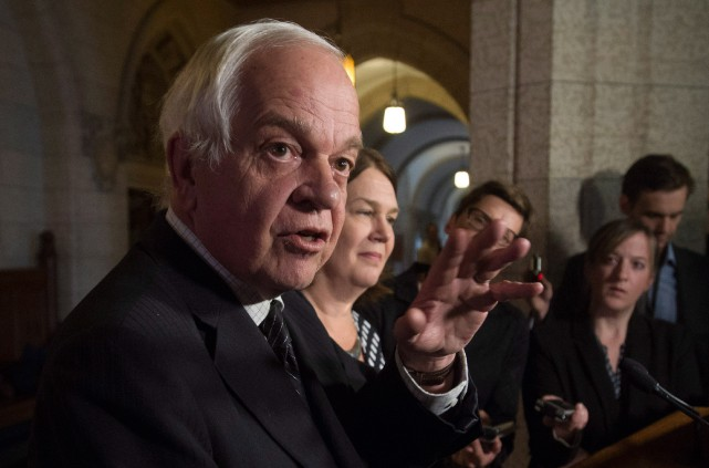 Le ministre de l'Immigration John McCallum.... (PHOTO ADRIAN WYLD, LA PRESSE CANADIENNE)
