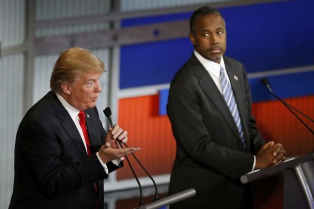 Donald Trump et Ben Carson lors du débat... (PHOTO REUTERS)