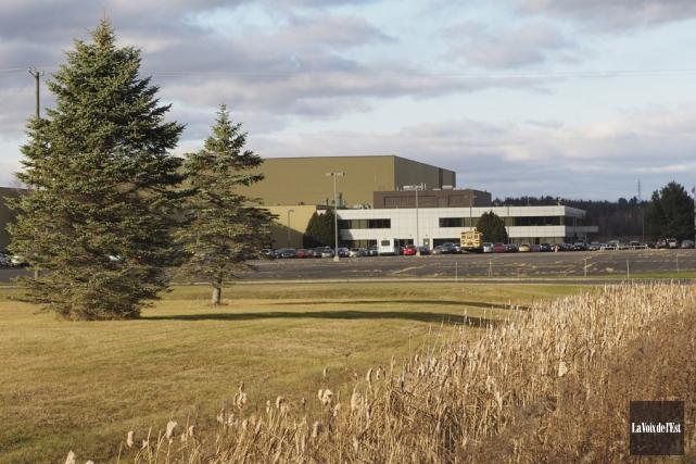 Si 2050 Motors choisit l'ancienne usine Hyundai pour... (Alain Dion, La Voix de l'Est)