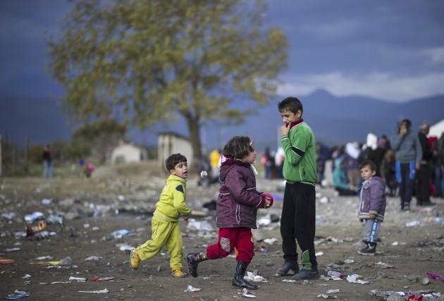 Le gouvernement fédéral entend toujours accueillir 25 000 réfugiés syriens,... (AFP, Robert Atanasovski)