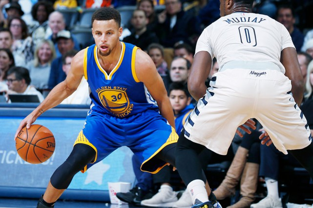 Le garde des Warriors de Golden State, Stephen... (AP, Mark J. Terrill)