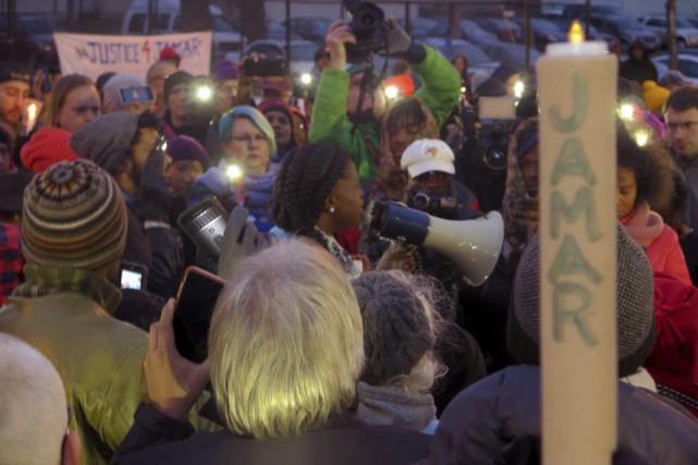 Un rassemblement du NAACPla semaine dernièreà Minneapolis.... (Photo Greg Moore, Archives AP)