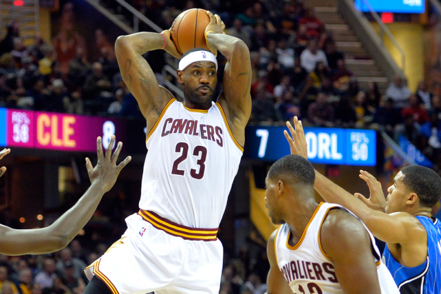 LeBron James a rejoint Oscar Robertson comme le... (Photo David Richard, USA Today)