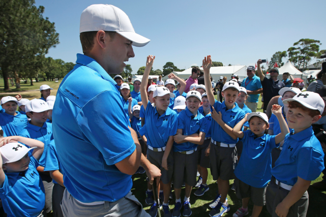 Jordan Spieth a donné une clinique de golf... (Photo Rick Rycroft, AP)