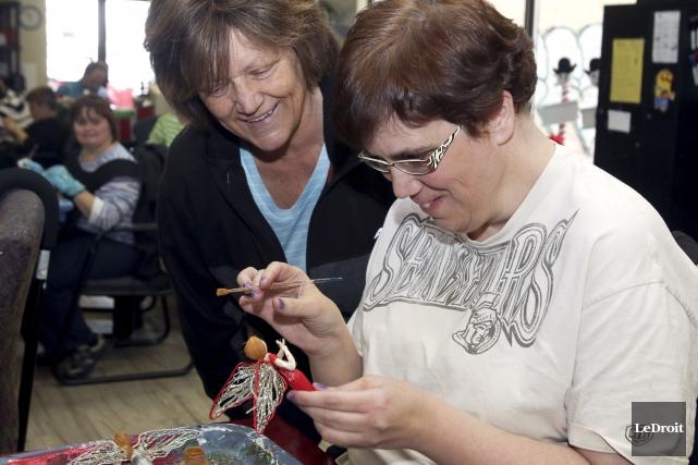 Joanne Mongeon et sa fille Sandra. Cette dernière... (Patrick Woodbury, LeDroit)