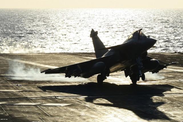 Les Rafale avaient décollé du porte-avions françaisCharles-de-Gaulle, déployé... (PHOTO AFP)