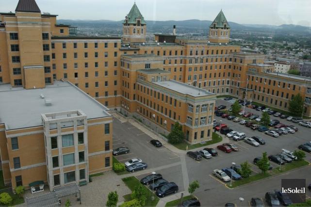 L'hôpital du Saint-Sacrement à Québec... (Photothèque Le Soleil, Jean-Marie Villeneuve)