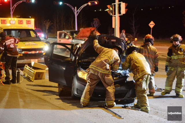 Le premier accident est survenu vers 18h, à... (Photo Le Quotidien, Jeannot Lévesque)