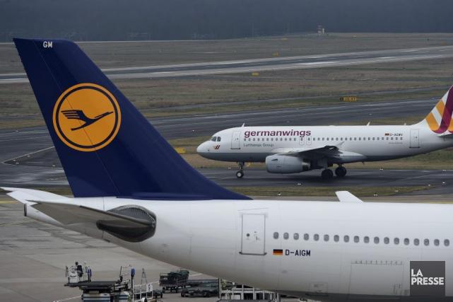 La compagnie aérienne allemande Lufthansa a indiqué tôt samedi qu'elle annulait... (PHOTO ARCHIVES LA PRESSE)