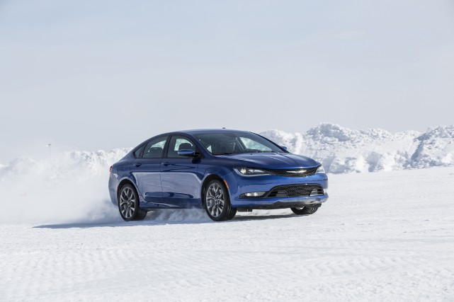 La Chrysler 200 2016... (PHOTO FOURNIE PAR CHRYSLER)