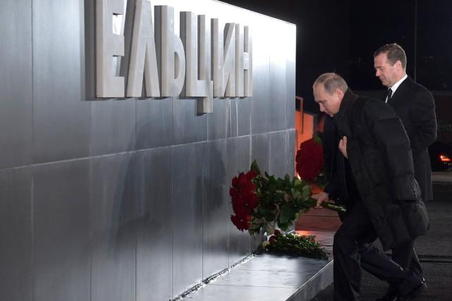 Le président russe Vladimir Poutine et le premier... (PHOTO ALEXANDER ASTAFYEV, SPUTNIK, AGENCE FRANCE-PRESSE)