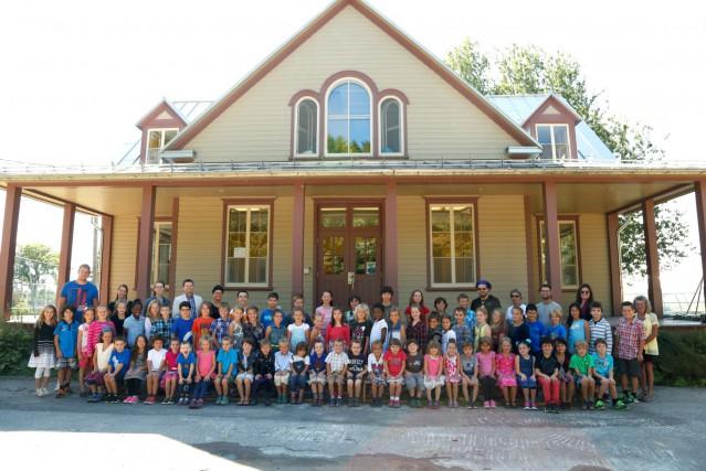 La cohorte de 65 élèves de l'école Saint-Charles-de-Grondines... (Fournie par Saint-Charles-de-Grondines)
