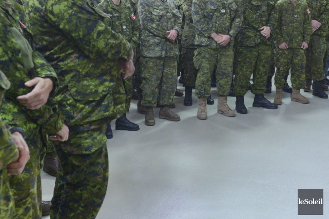 L'armée surveille de près les membres des Forces armées canadiennes (FAC)... (Photo archives Le Soleil, Jean-Marie Villeneuve)