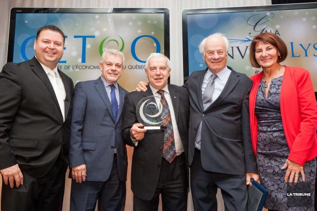 Dany Michaud, président-directeur général de Recyc-Québec, Johnny Izzi,... (La Tribune, Yanick Poisson)
