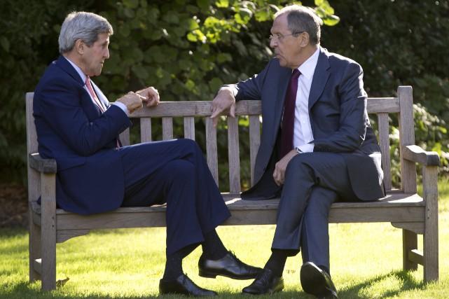 En octobre dernier, à Paris, le secrétaire d'État... (Archives Associated Press)