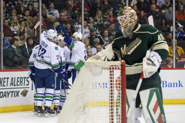 Radim Vrbata a inscrit deux buts pour mener les Canucks de Vancouver vers un... (PHOTO REUTERS)