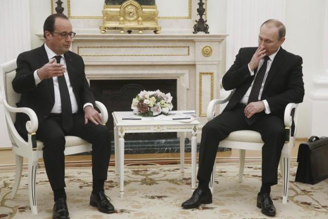 Les divergences entre Paris et Moscou demeurent: pour... (PHOTO SERGEI CHIRIKOV, AFP)