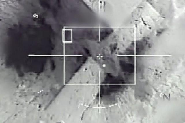 Images d'un raid aérien mené par l'armée française... (Archives AFP)